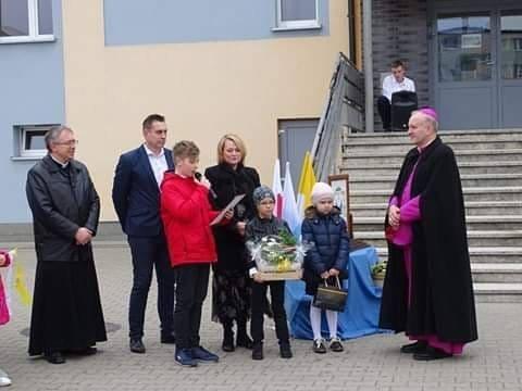 Wizyta Biskupa Łukasza Buzuna w Szkole Podstawowej nr 8